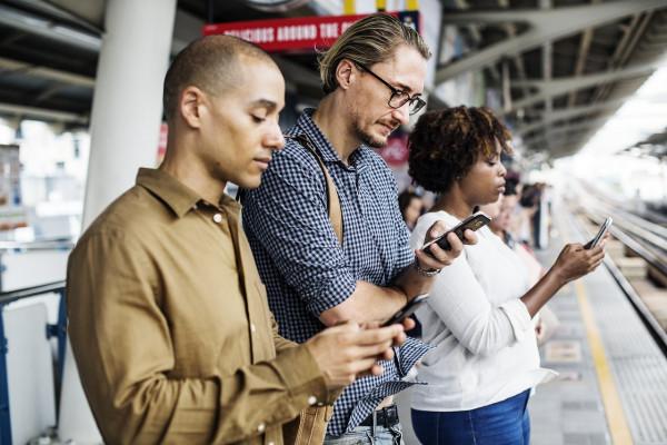 Das mobile Dashboard erlaubt Chat und Management von unterwegs aus